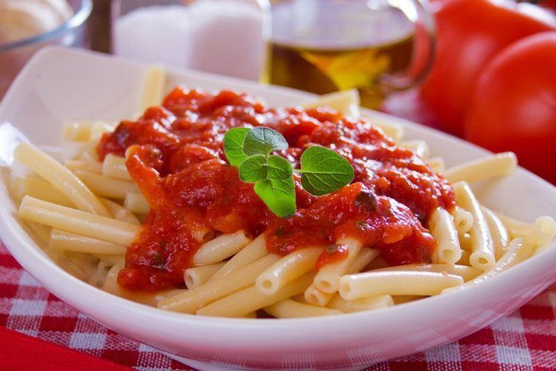 מתכון רוטב עגבניות לפסטה מעגבניות תמר