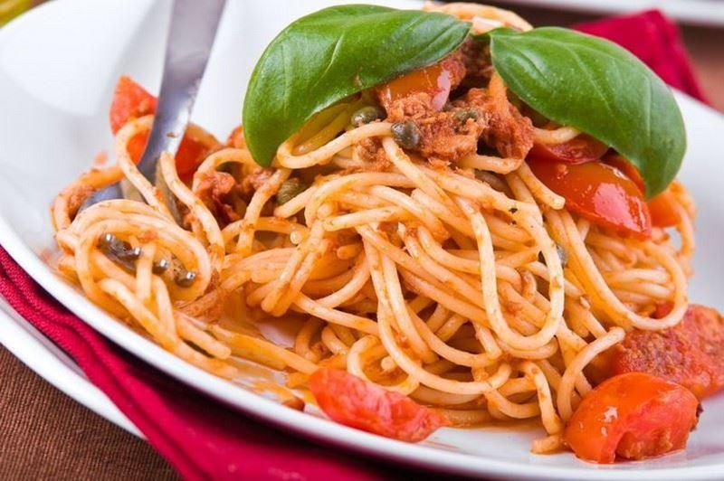 מתכון לספגטי עם תערובת עגבניות שרי